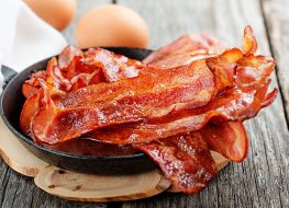cirsped bacon skillet