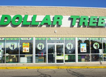 front of dollar tree store