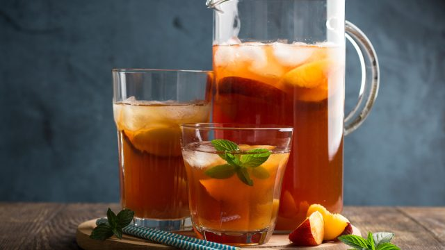 iced tea pitcher with glasses of iced tea