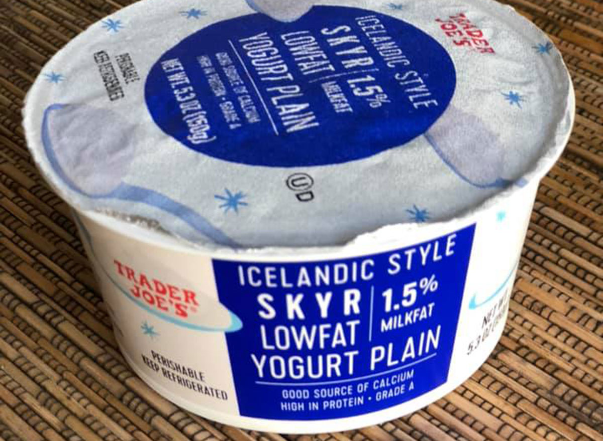 trader joe's breakfast skyr icelandic yogurt