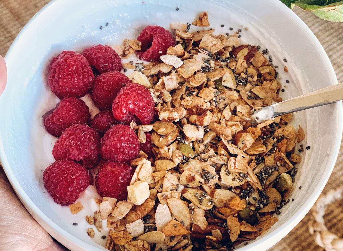 yogurt granola raspberries