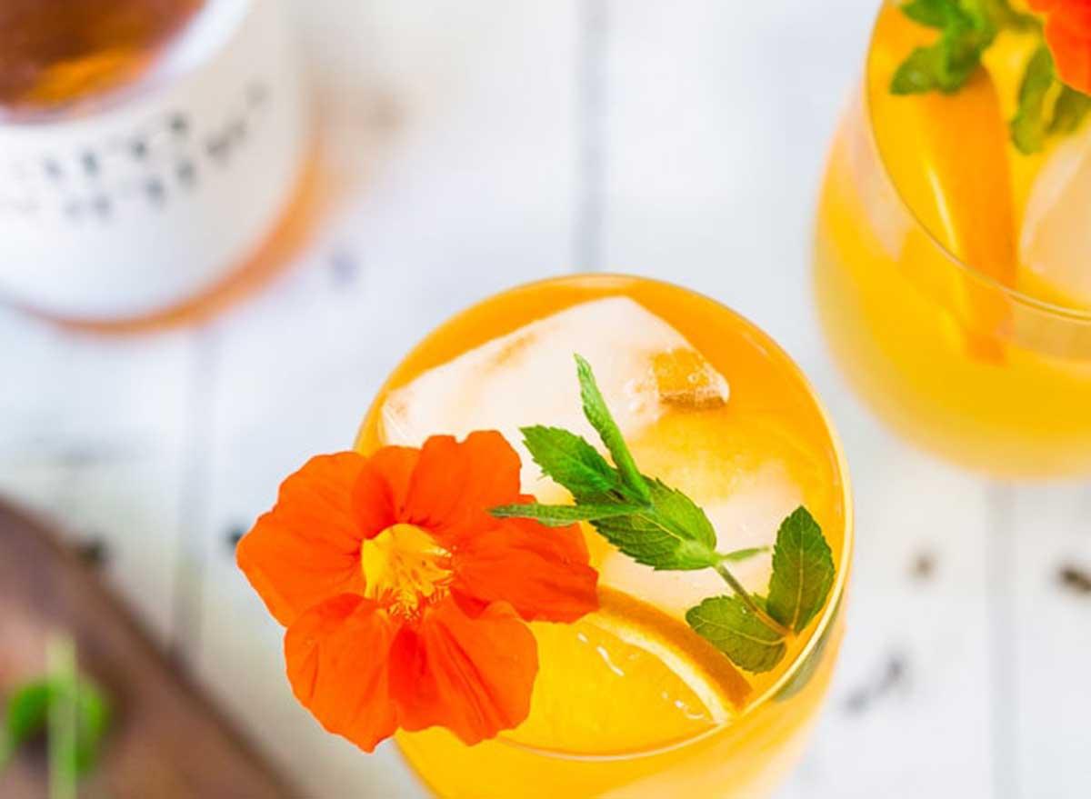immune-boosting cocktails aperol spritz