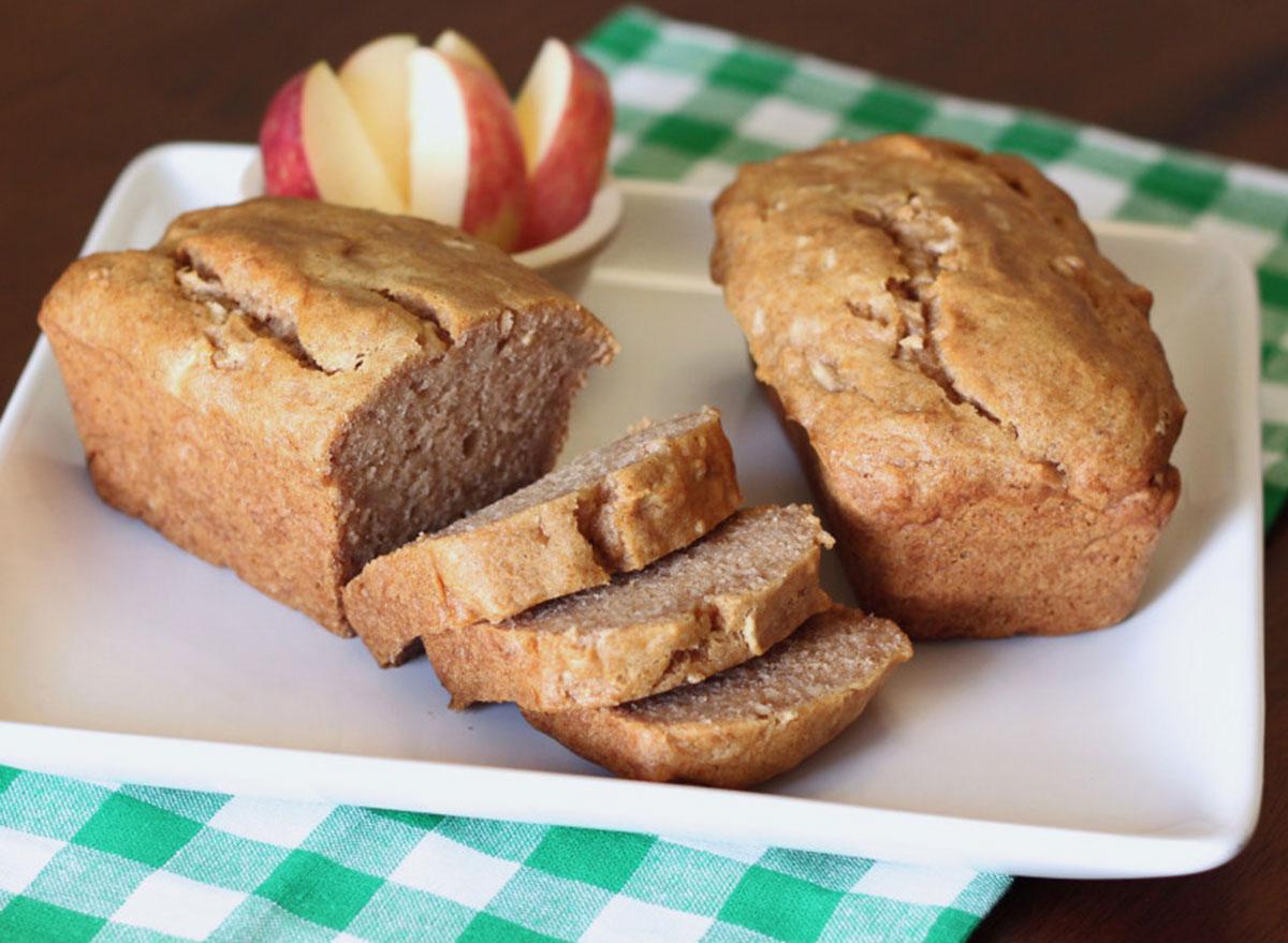 cinnamon apple loaves