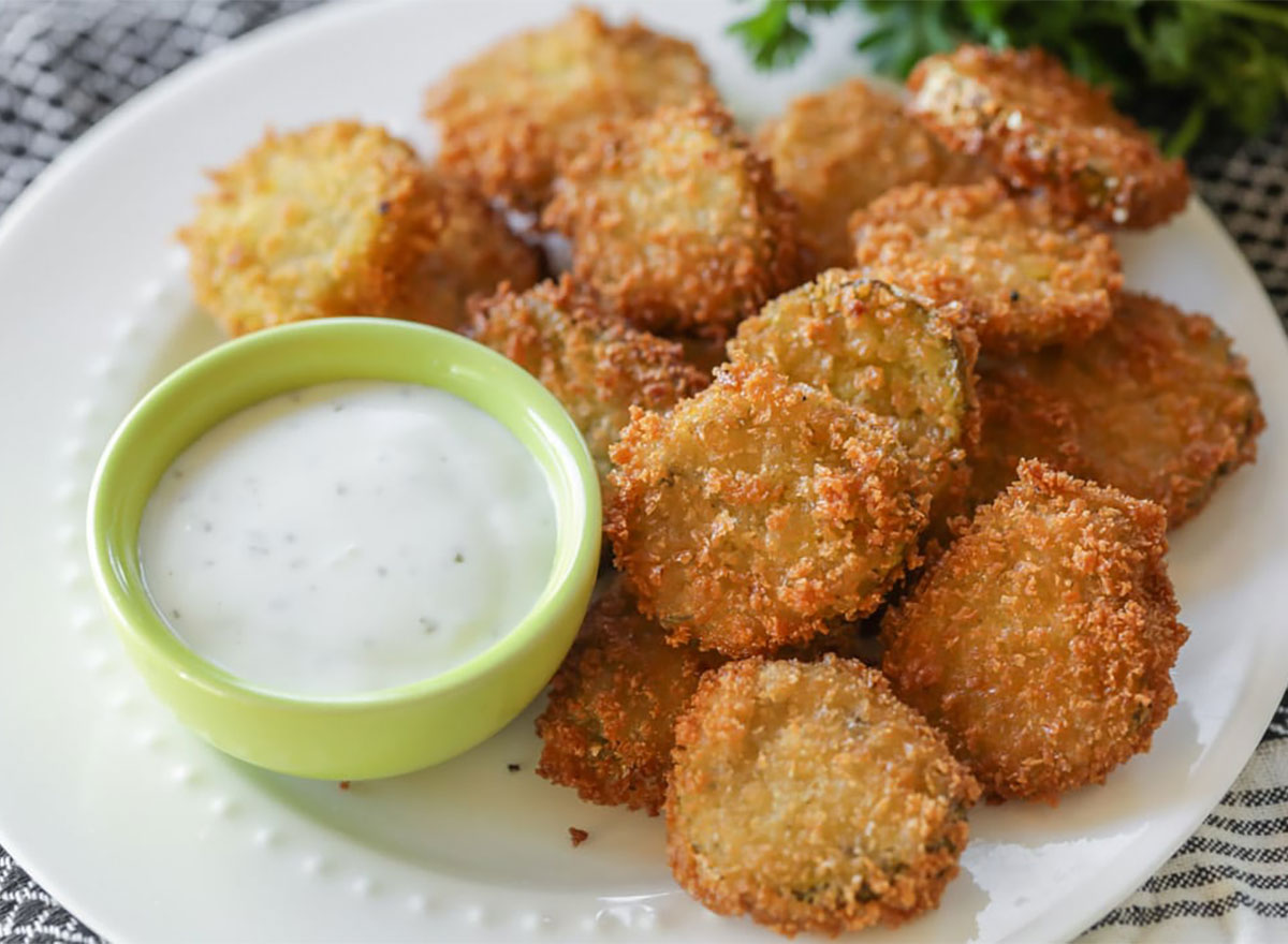 deep fried pickles with ranch dip