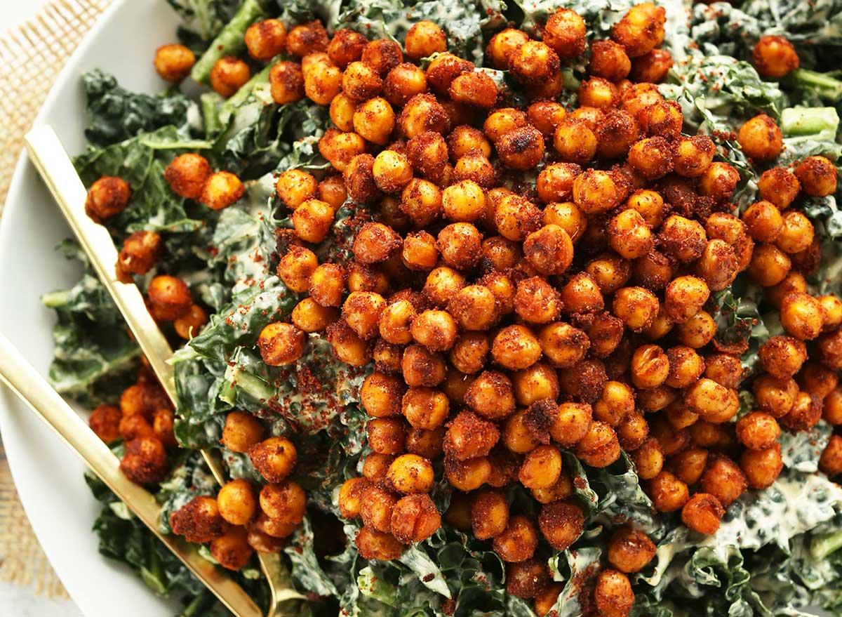 kale salad tandoori chickpeas