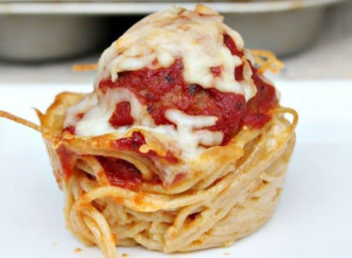 mini meatball spaghetti pie
