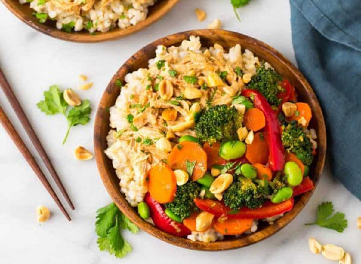 peanut chicken veggies