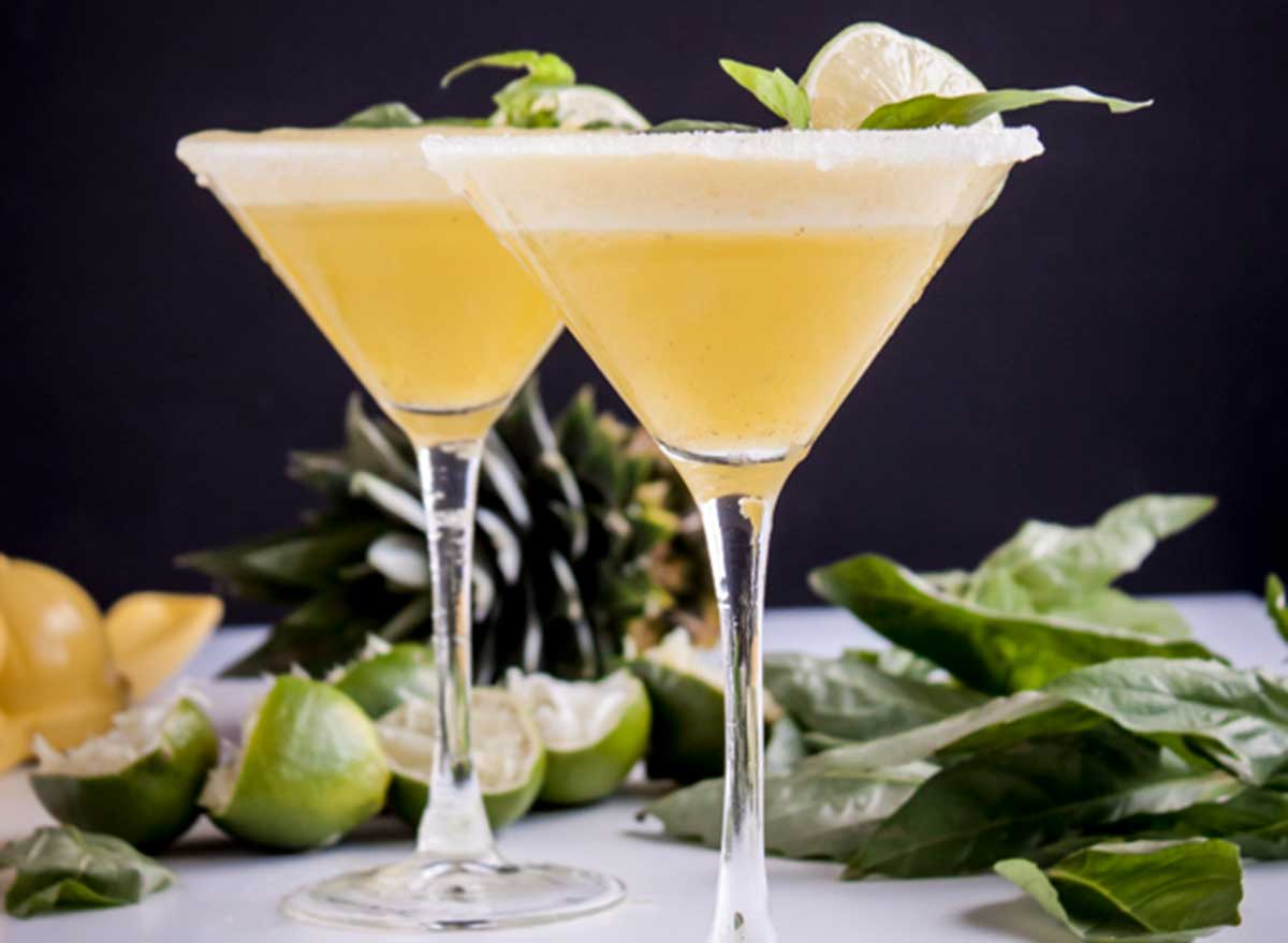 immune-boosting cocktails pineapple basil rum fizz