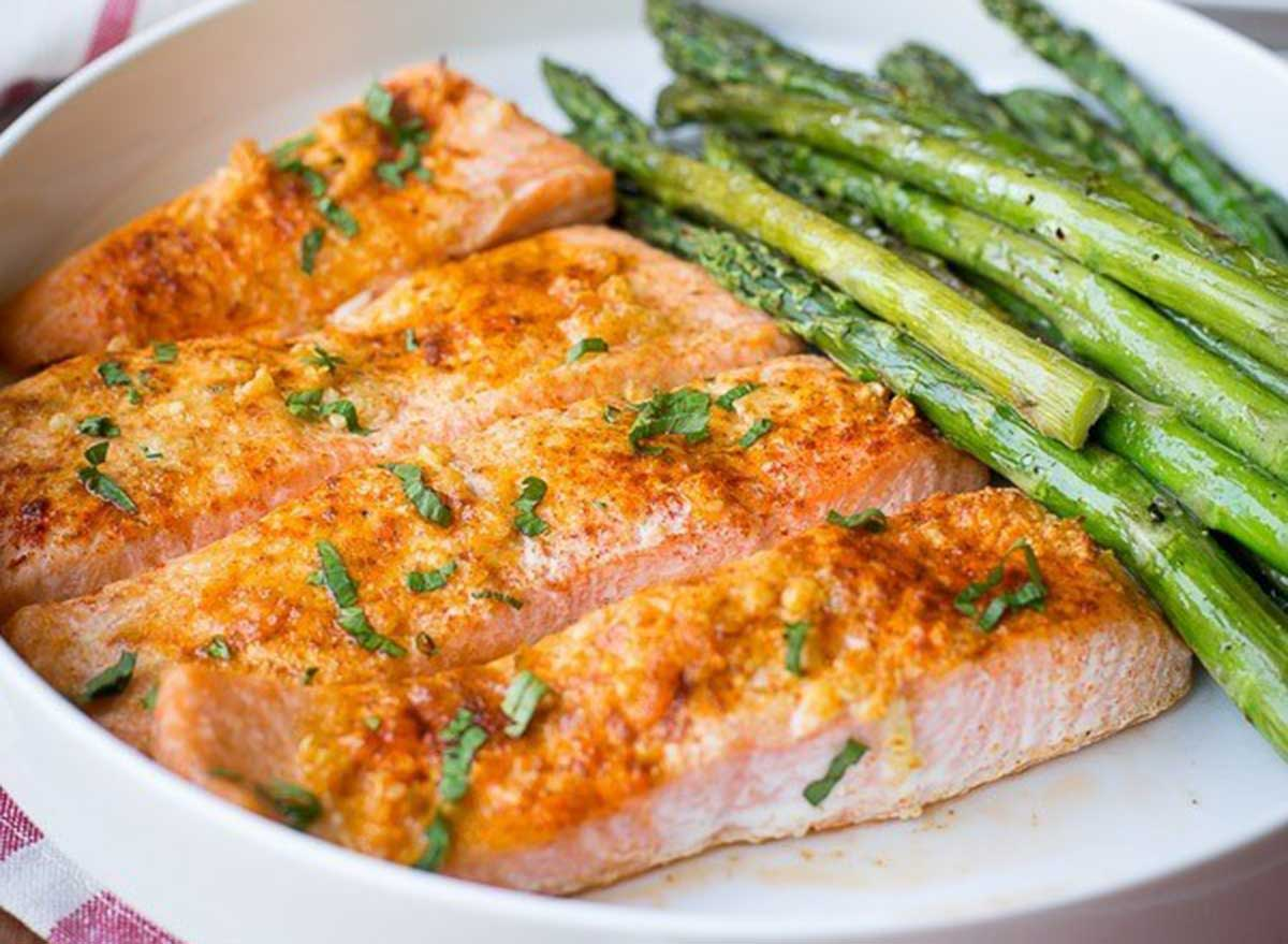 salmon potatoes asparagus