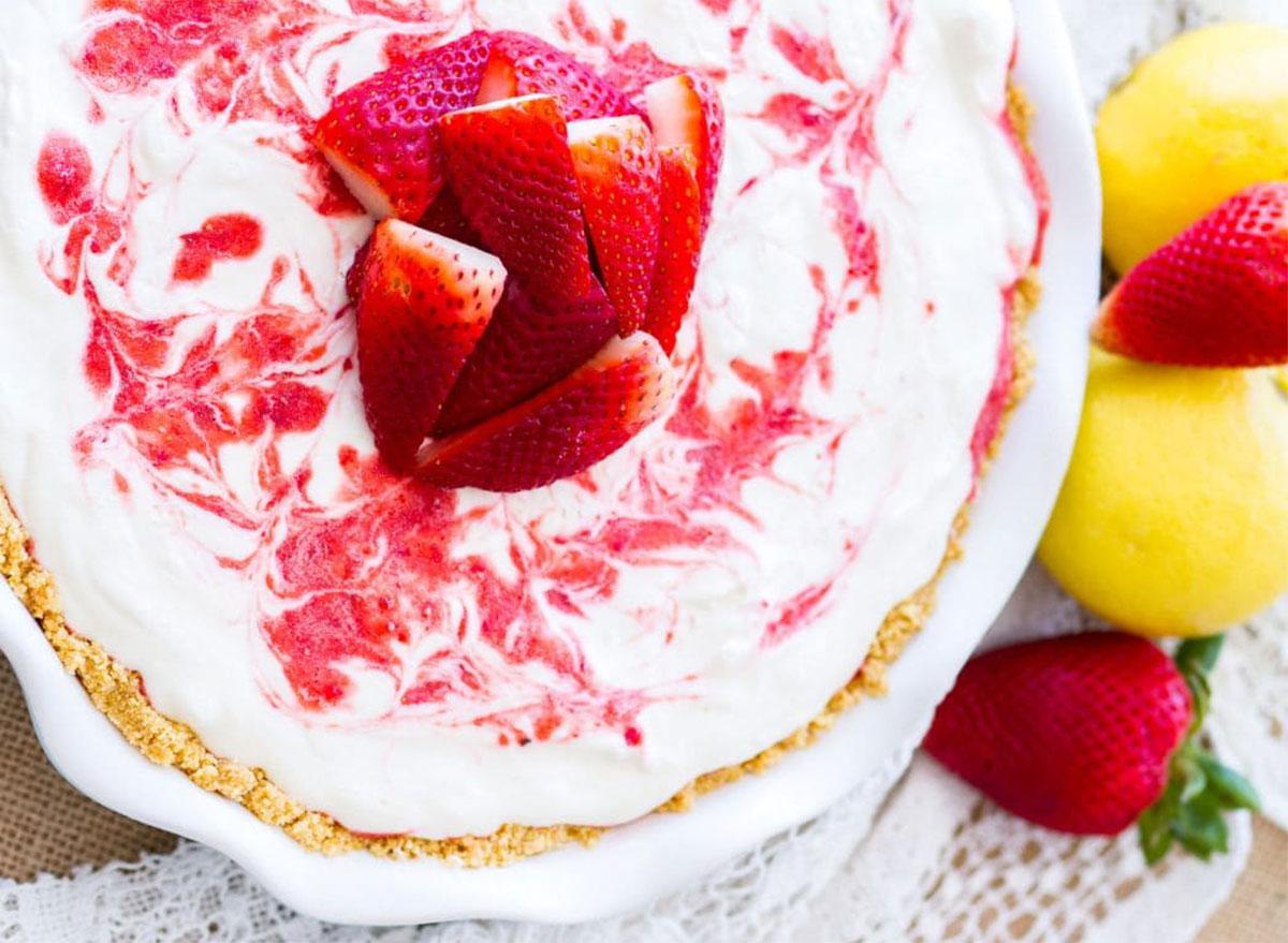 strawberry lemonade icebox pie