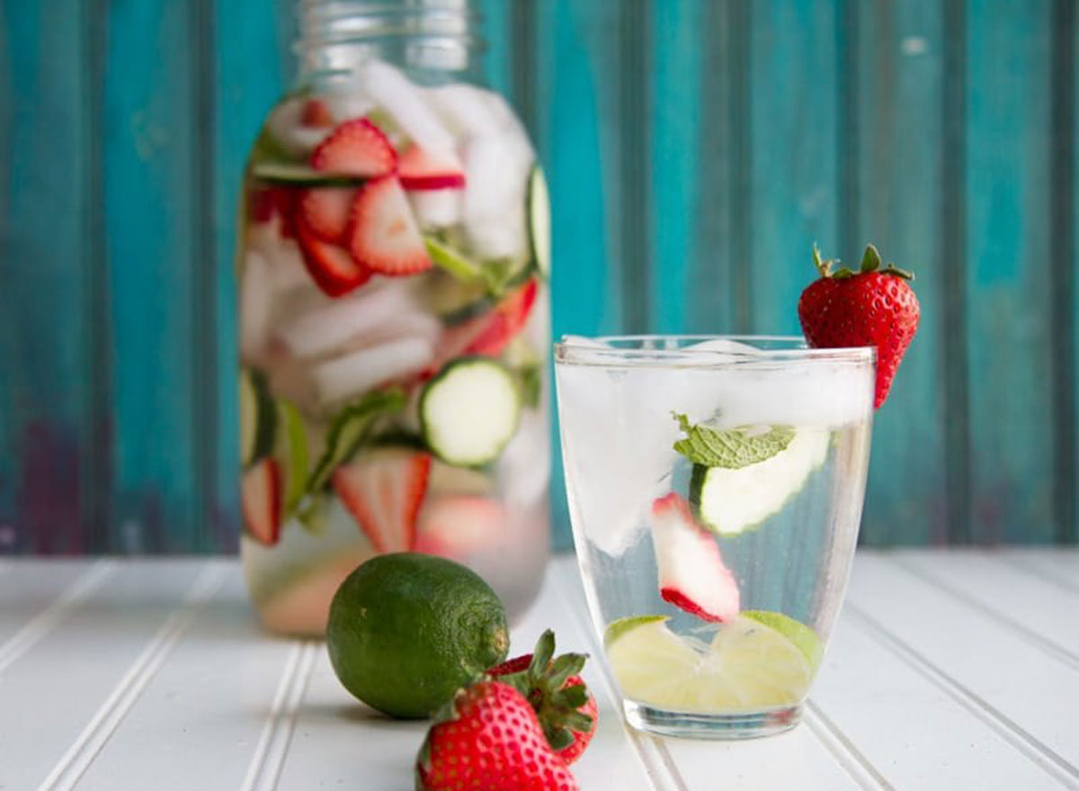 strawberry lime mint water
