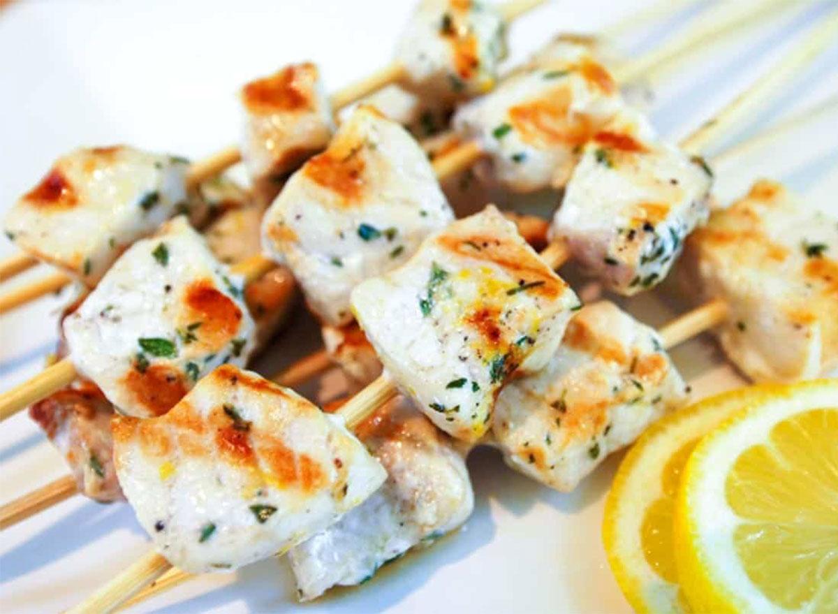 swordfish kabobs with lemon slices