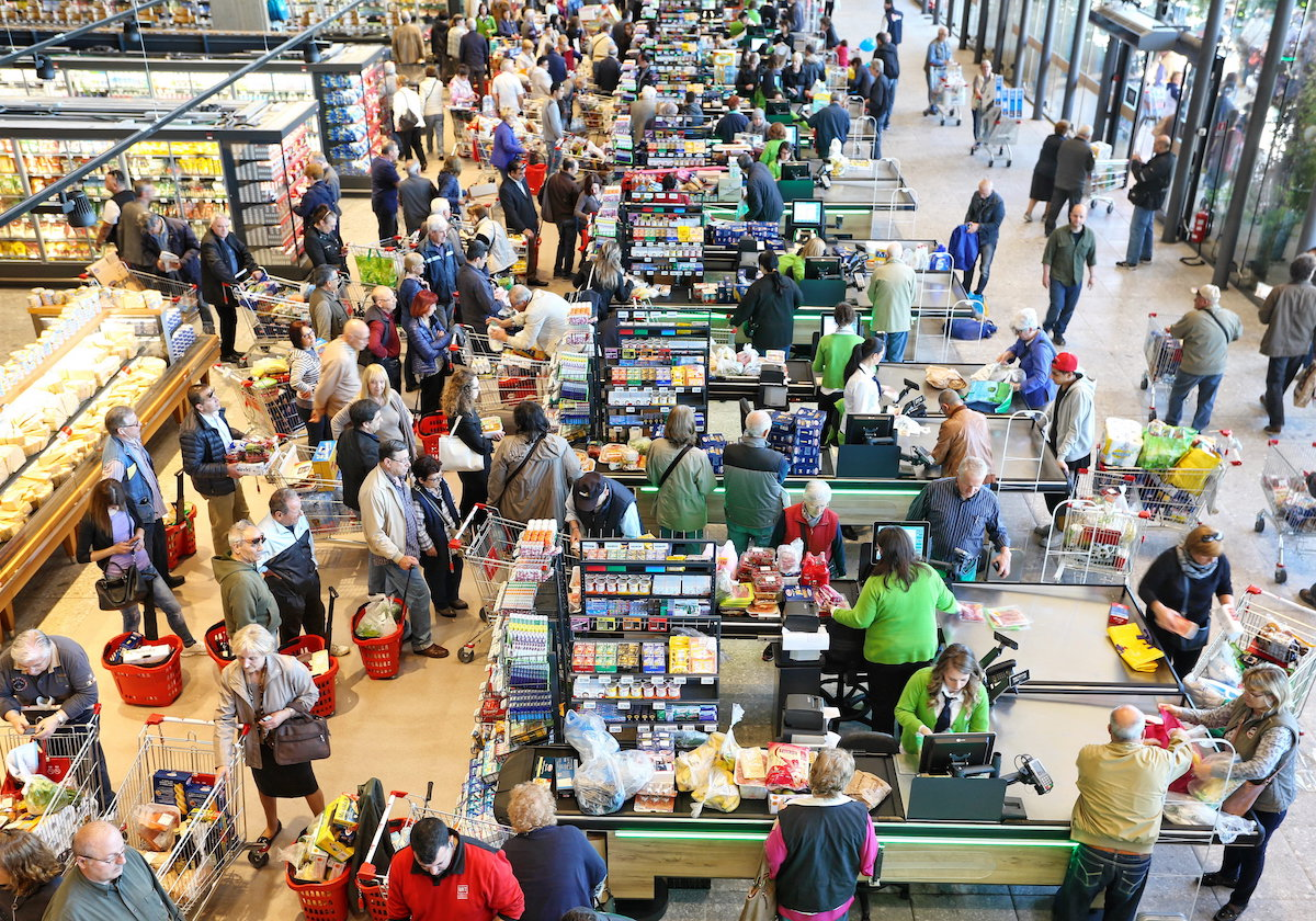over crowded grocery store