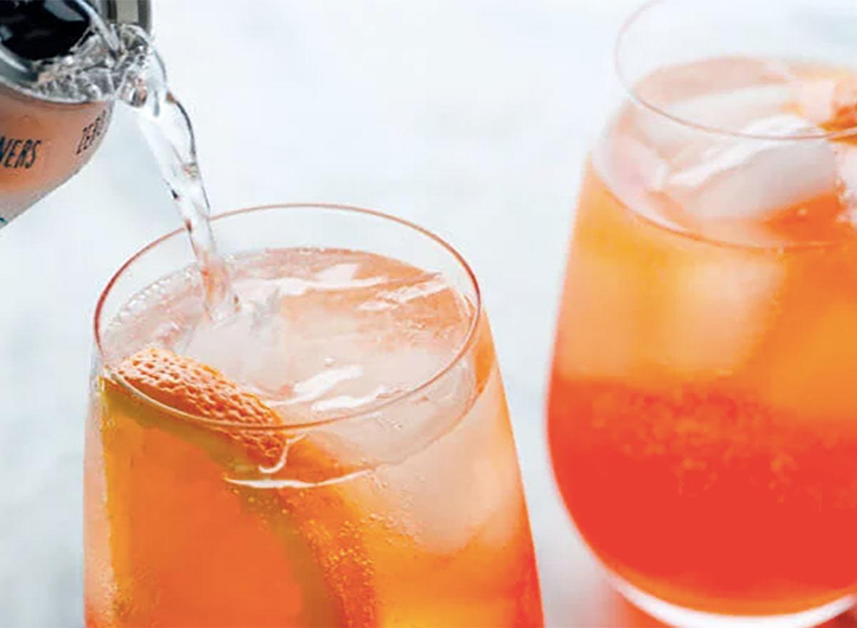aperol spritz cocktails in glasses