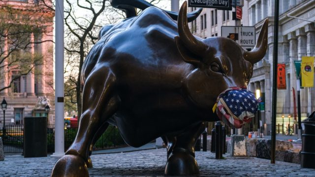 Charging bull statue new york us face mask