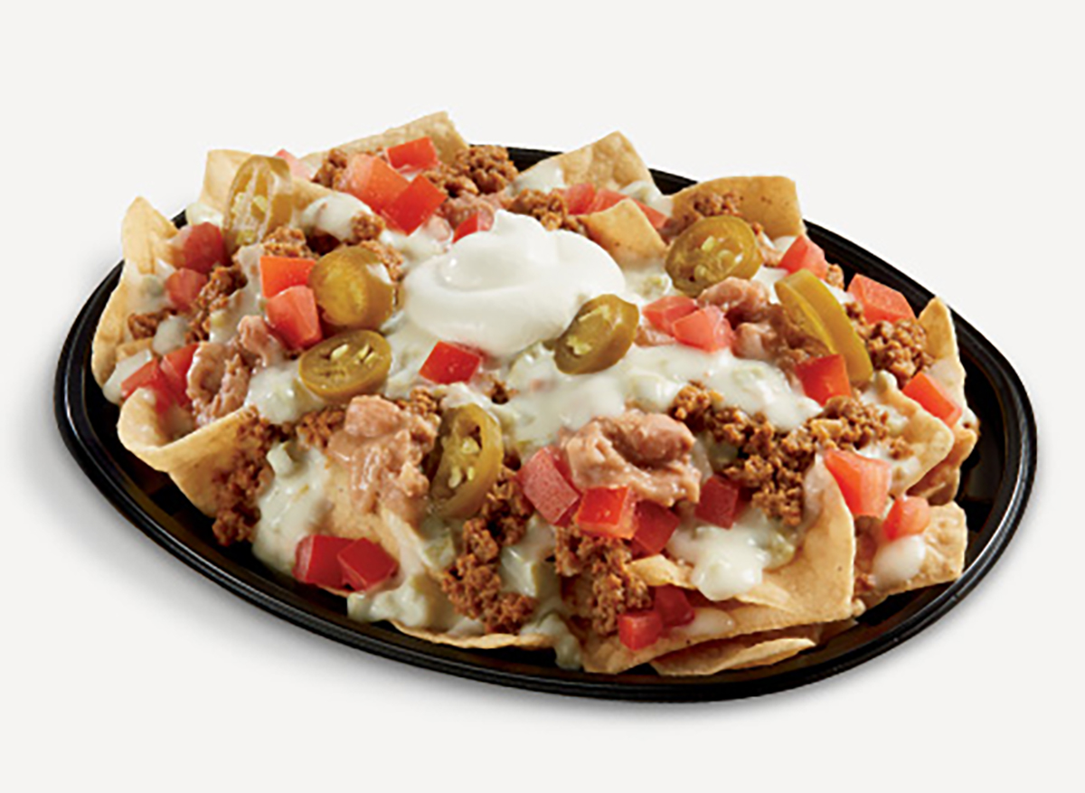 del taco queso loaded nachos