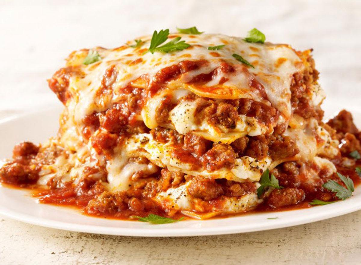 maggianos little italy lasagna