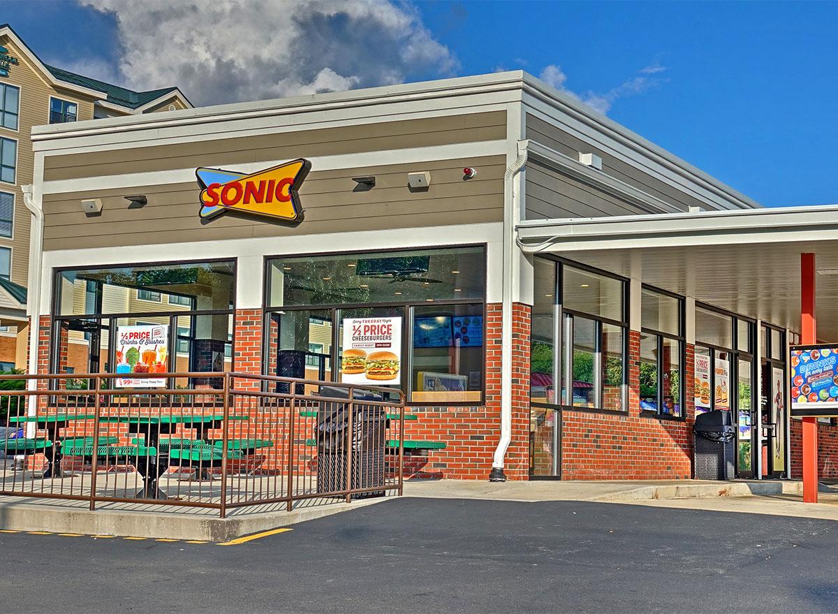 sonic restaurant exterior