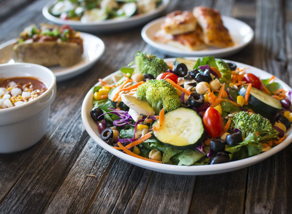 souplantation salad bar