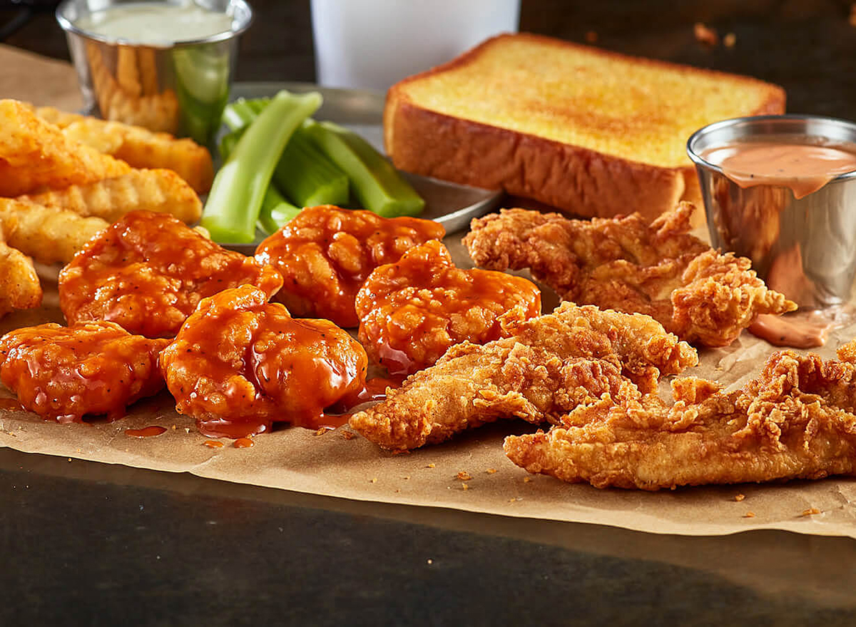 zaxbys wings and things