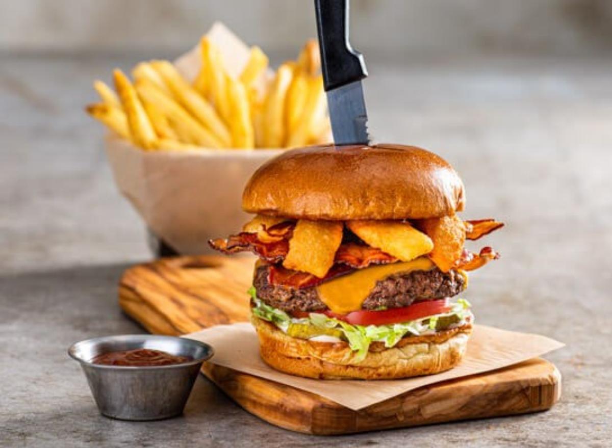 chilis smokehouse burger