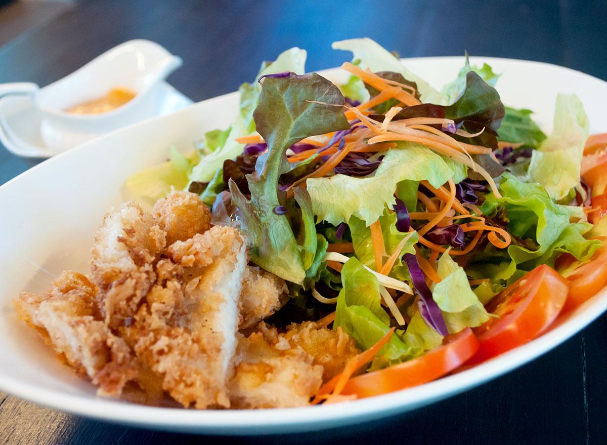 salad crispy chicken
