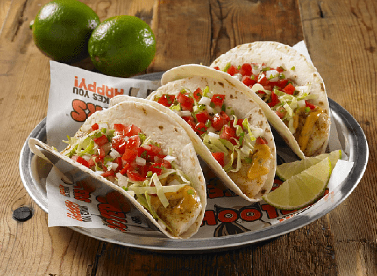 hooters tacos