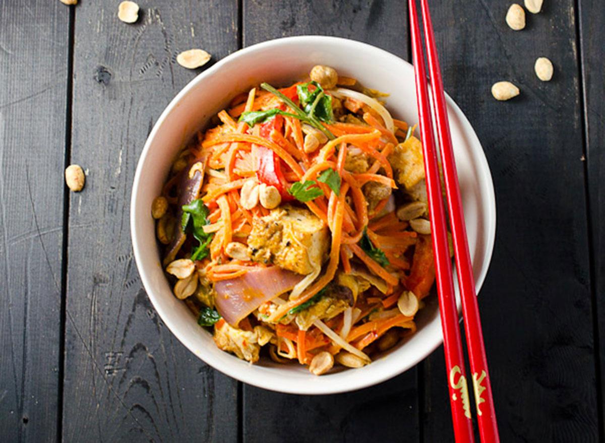 carrot noodles peanut sauce