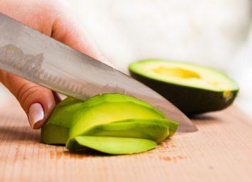 Slicing avocado