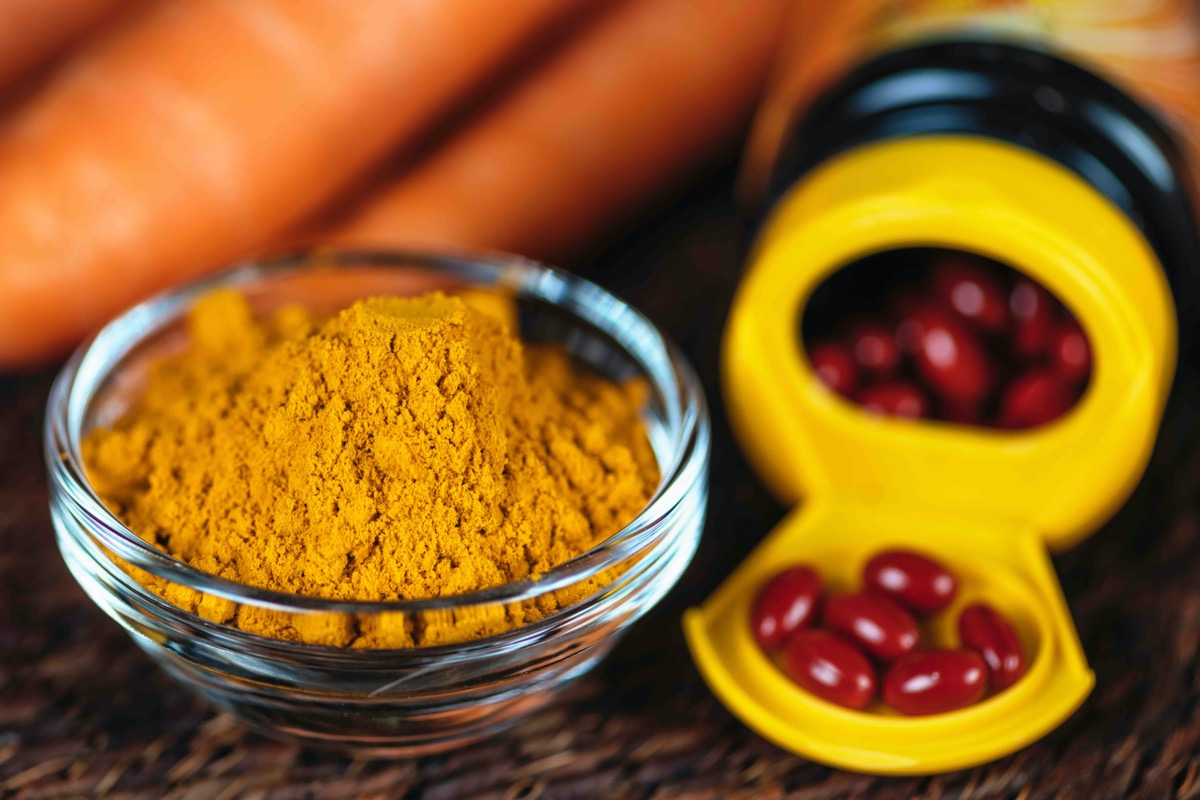 Beta carotene supplements pills and natural sources of beta carotene in fresh vegetables