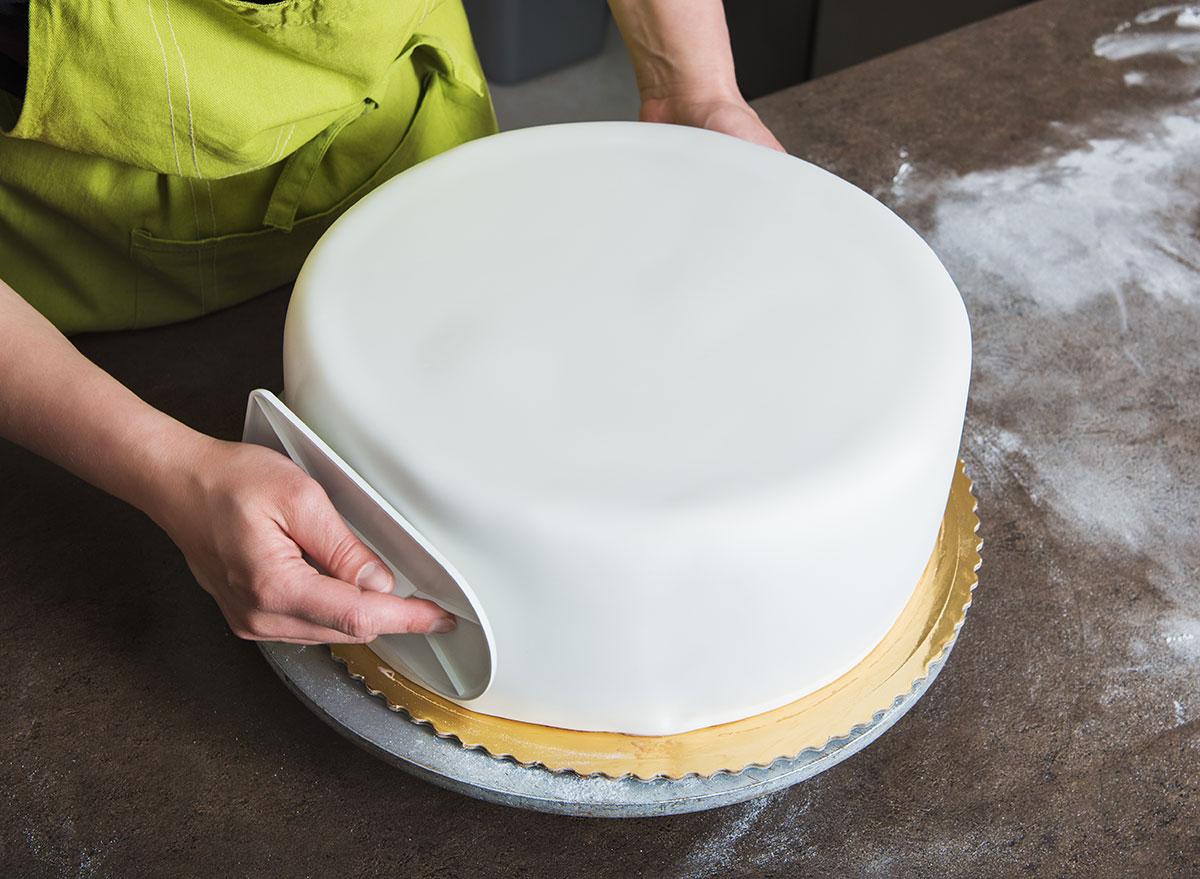 fondant on cake