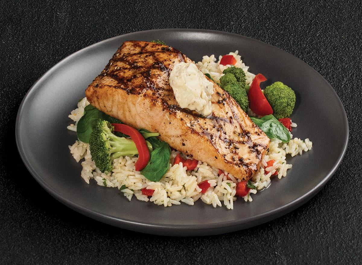 tgi fridays simply grilled salmon
