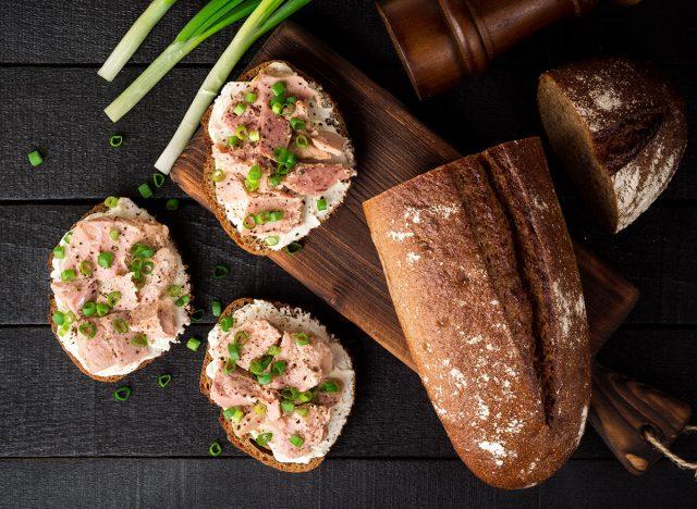 canned tuna bread