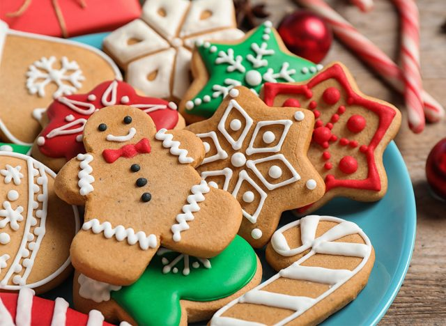platter of christmas cookies gingerbread