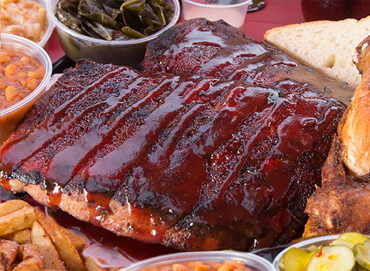 plate of ribs with sauce