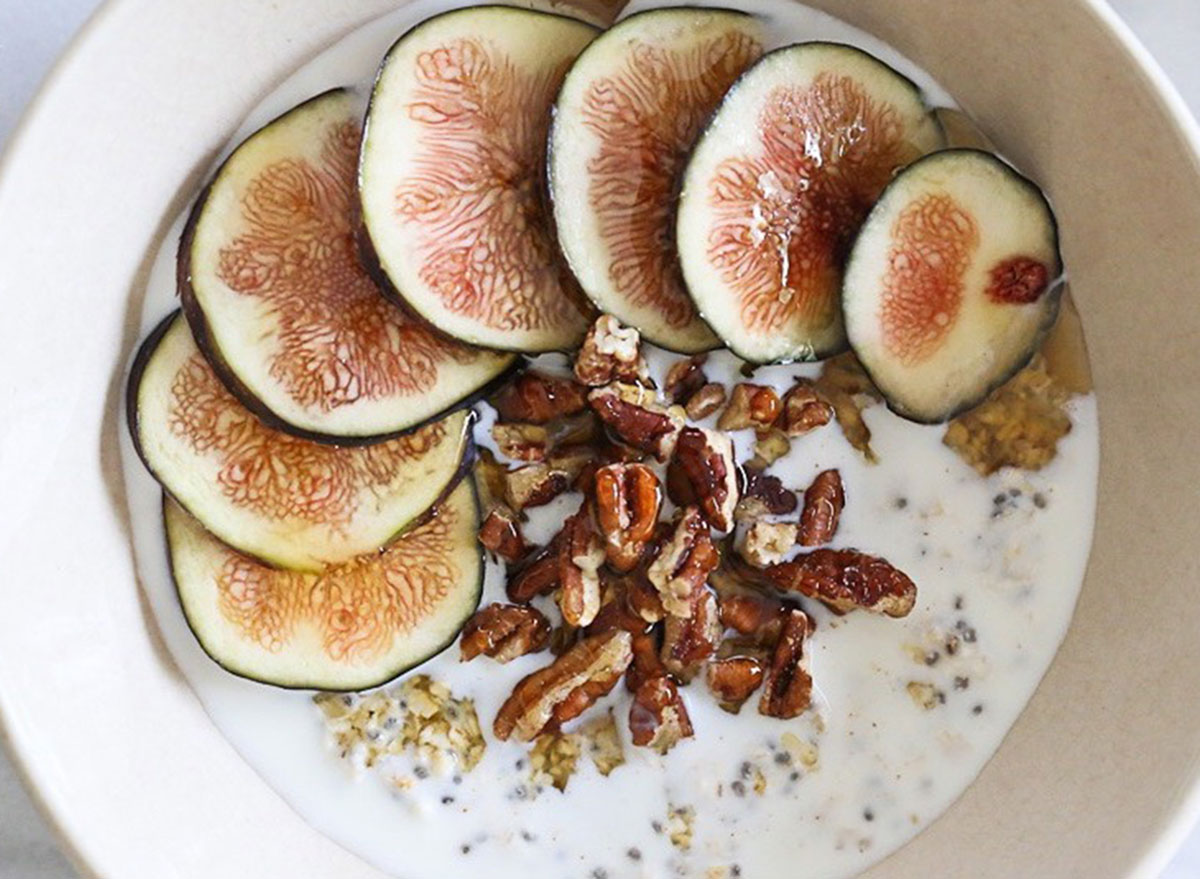 overnight oats Figs and Pecans