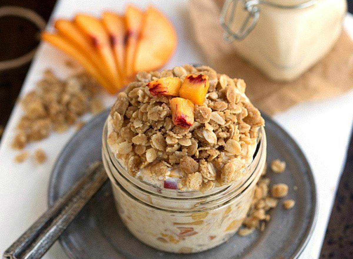 overnight oats Peach Streusel