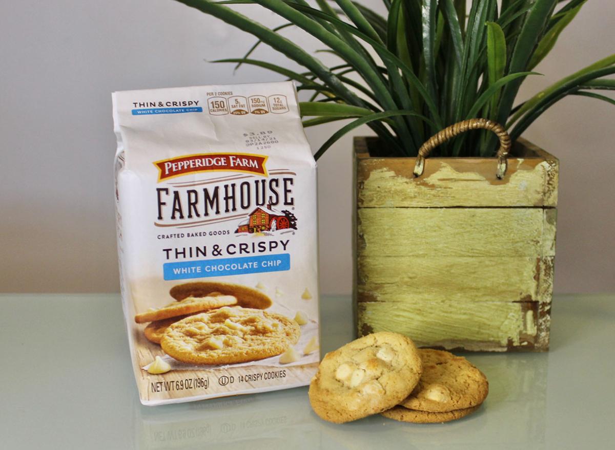pepperidge farm white chocolate chip chocolate chip cookies bag
