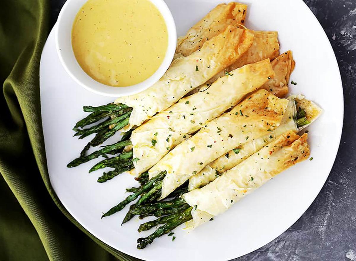 asparagus phyllo roll ups on a plate