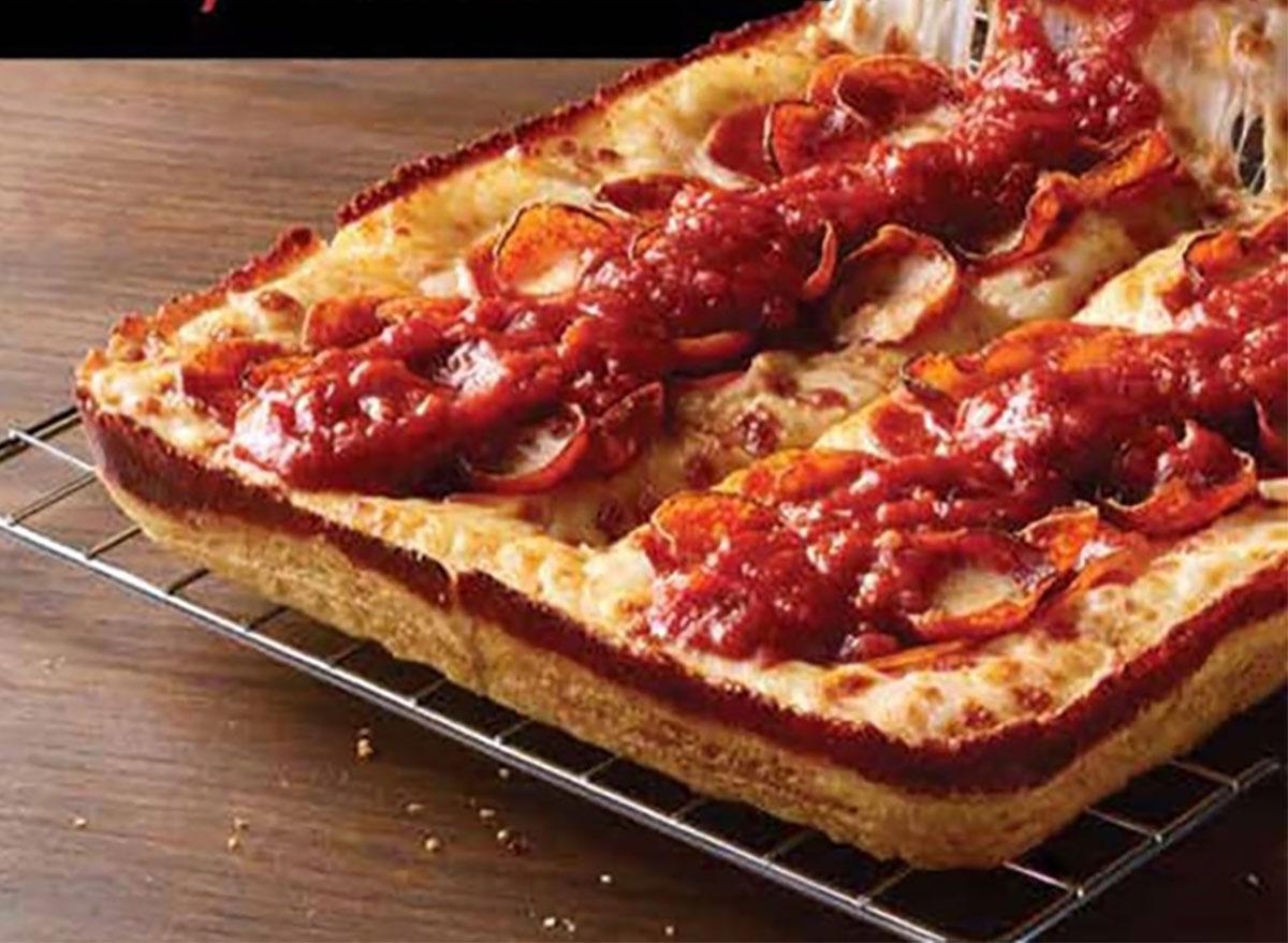 pizza hut detroit style pizza
