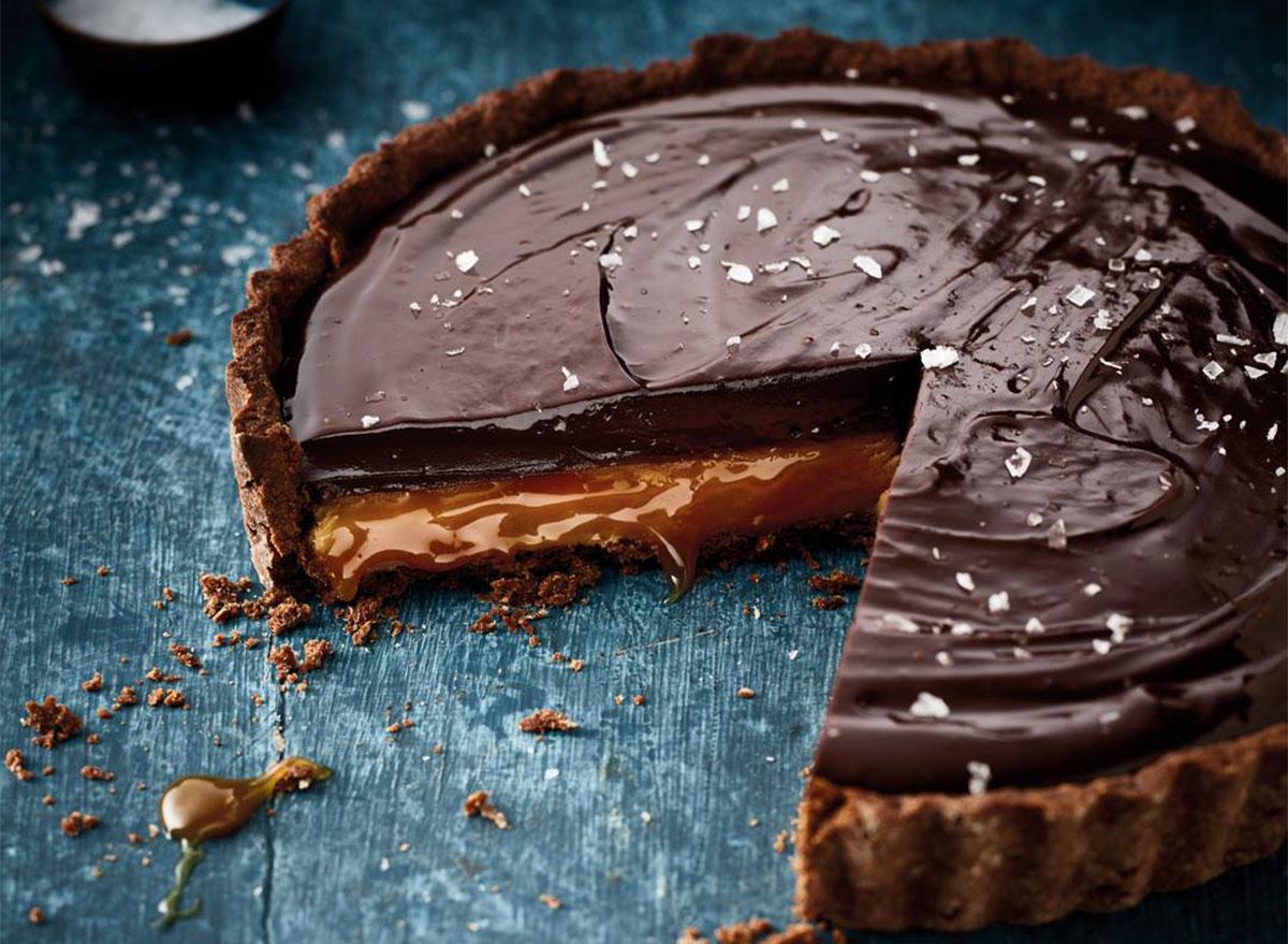 salted caramel and chocolate tart