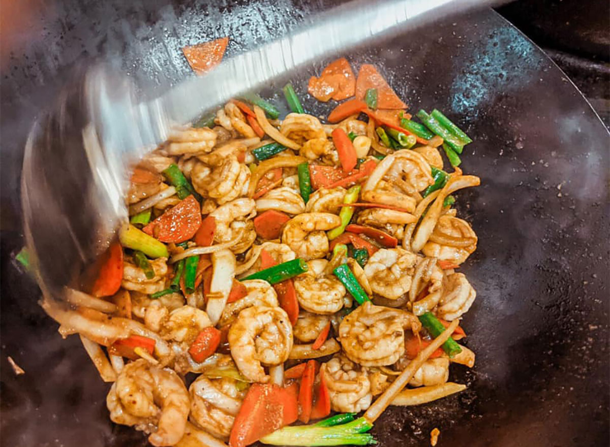 shrimp stir fry with bell peppers and scallions