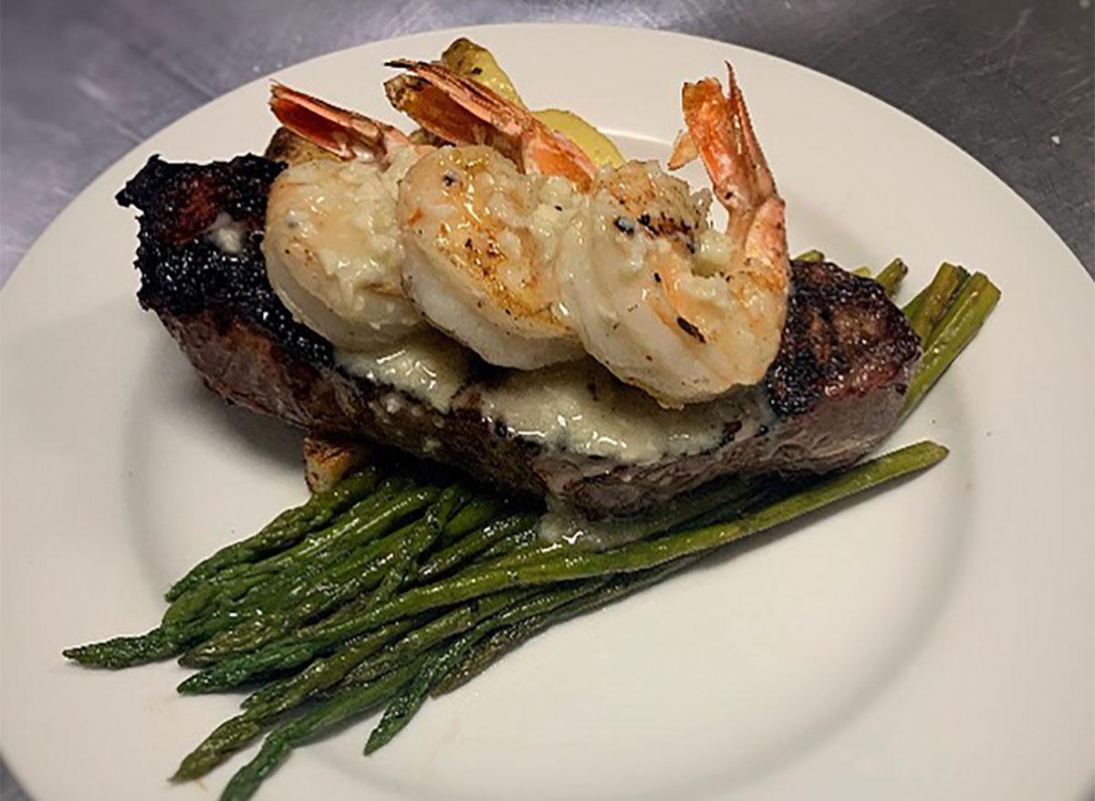 steak and shrimp with asparagus