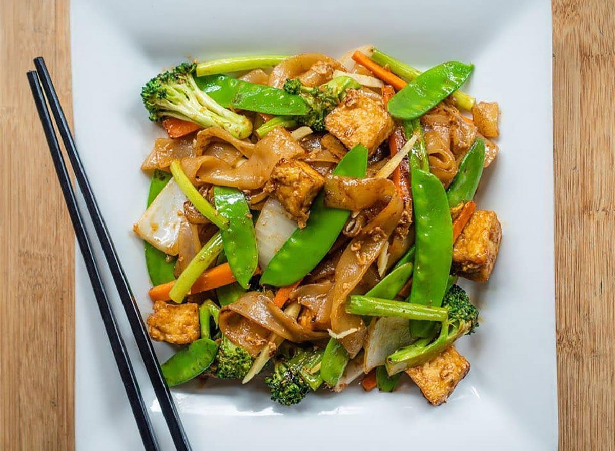thai ginger noodles with snap peas