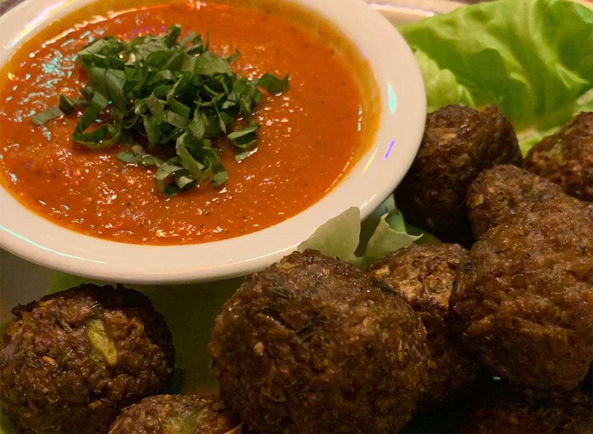vegan meatballs with sauce