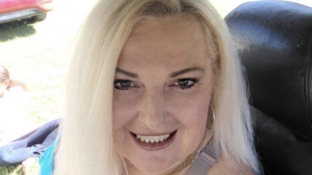 90 day fiance star angela deem selfie