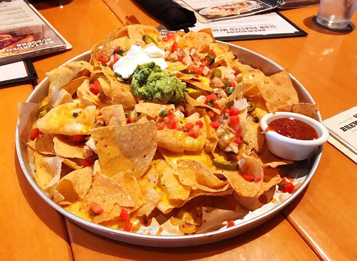 bjs brewhouse loaded nachos