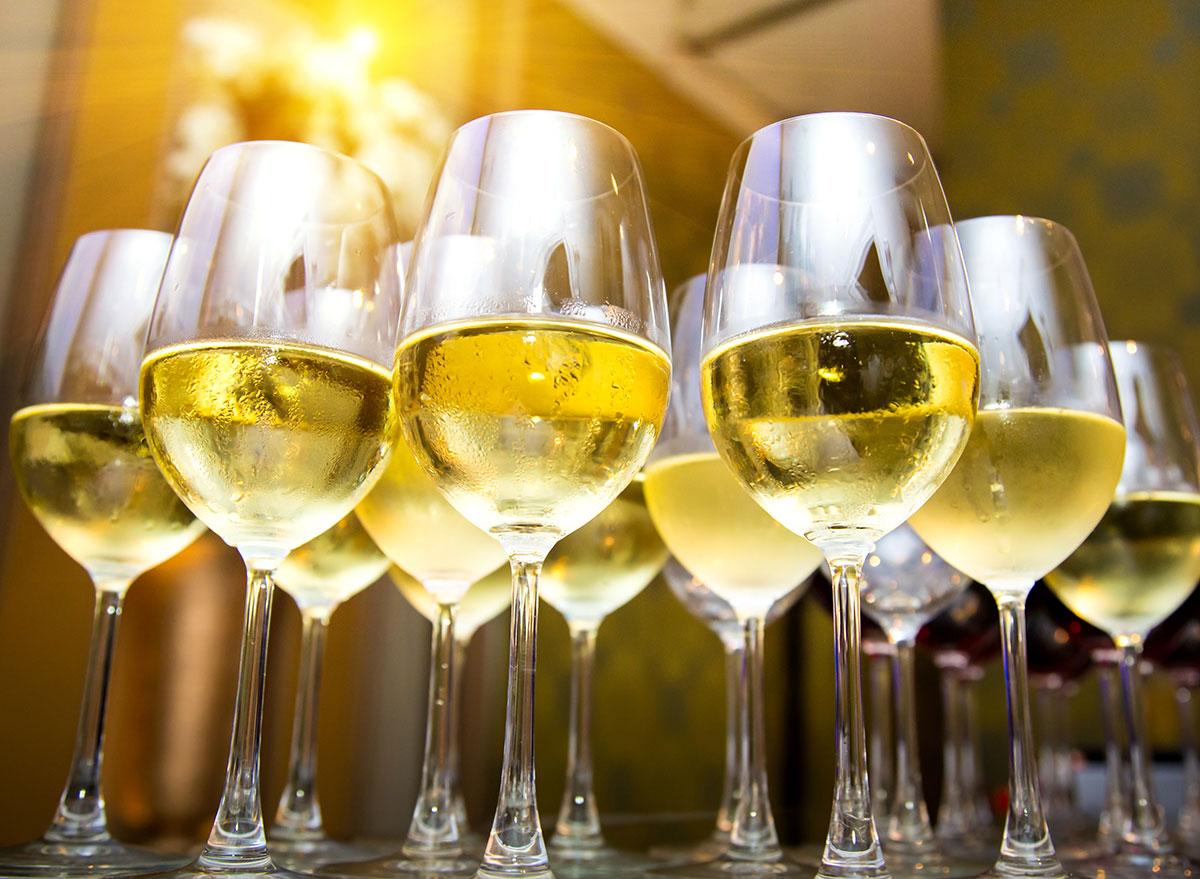 glasses white wine