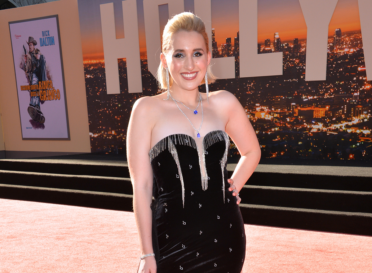harley quinn smith at movie premiere