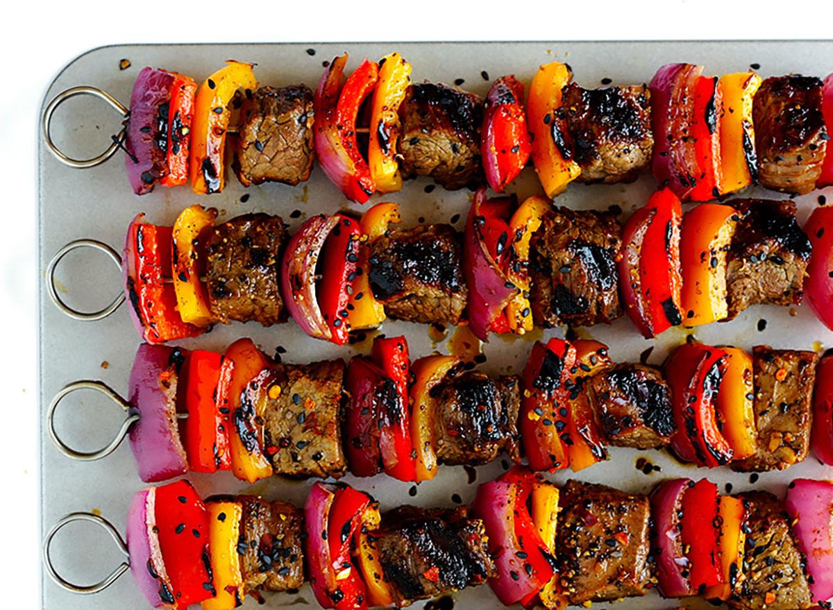 steak and bell pepper kabobs on serving platter